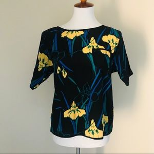 TUCKER | FLORAL SILK POCKET SHORT SLEEVE BLOUSE